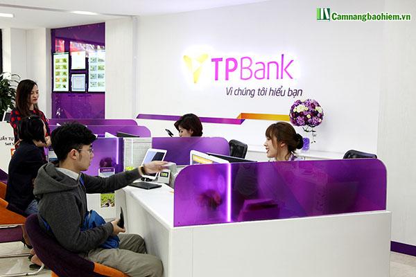 Chuyên gia mách: Có nên mua bảo hiểm qua ngân hàng?